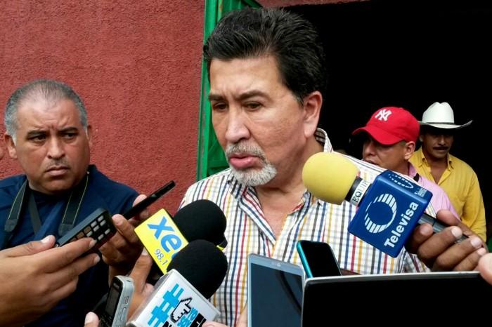 Diputados del PRI no seremos obstáculo para Yunes: Héctor Yunes