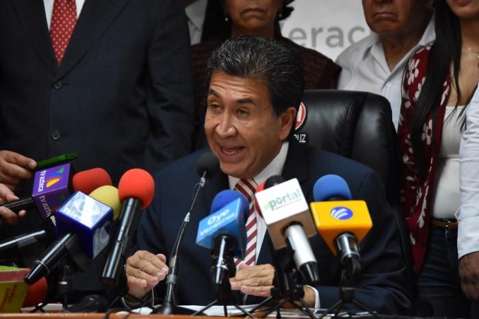 Yunes Linares espía a los veracruzanos, dice Héctor Yunes