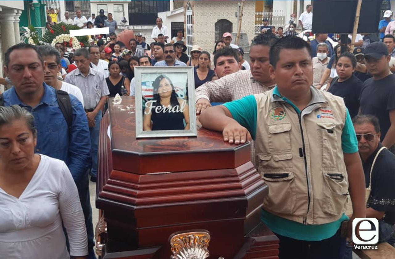 Detienen a reportero por asesinato de periodista Elena Ferral