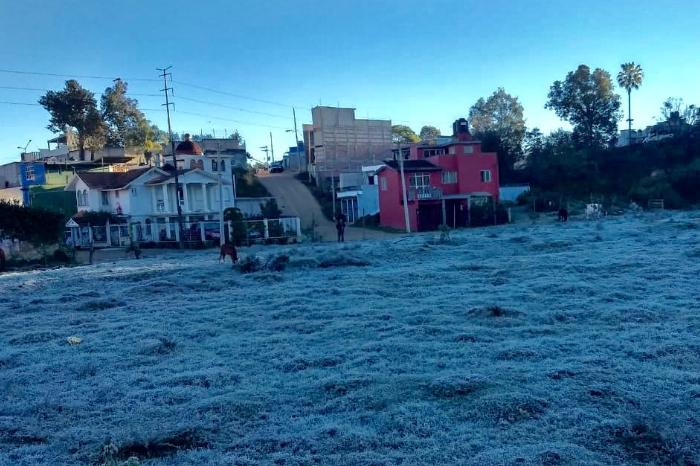 Heló en Xalapa; Conagua reporta temperatura mínima de 2 grados Celsius