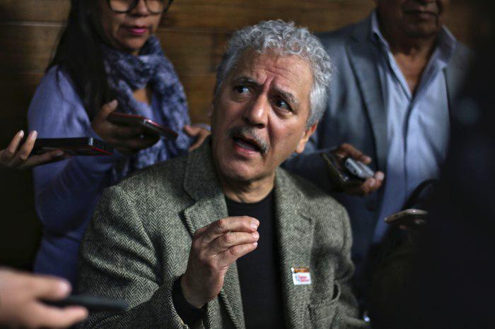 Hipólito justifica falta a junta con Yunes por motivos de salud
