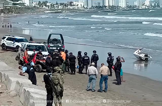 Localizan cuerpo de un hombre flotando en playa de Boca del Río