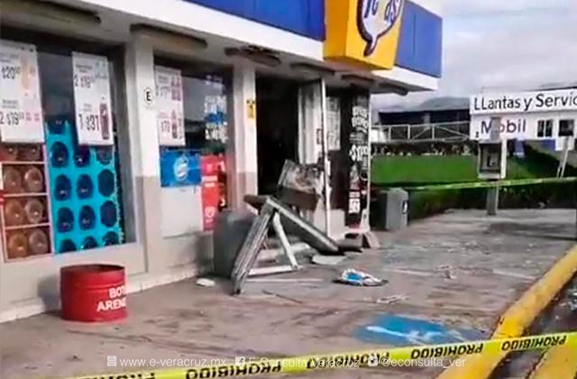 Hombres armados roban cajero automático en Amatlán de los Reyes