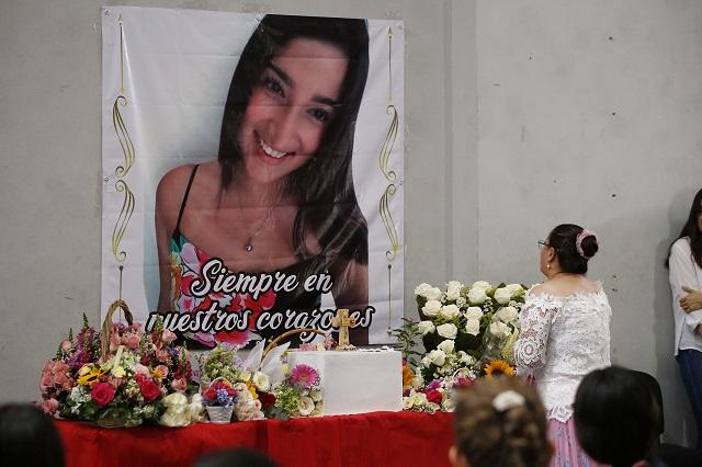 Homenajean a xalapeña asesinada en Puebla; acusan feminicidio