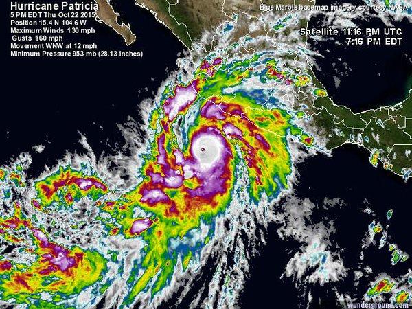 Transmiten en vivo por YouTube la llegada del huracán Patricia