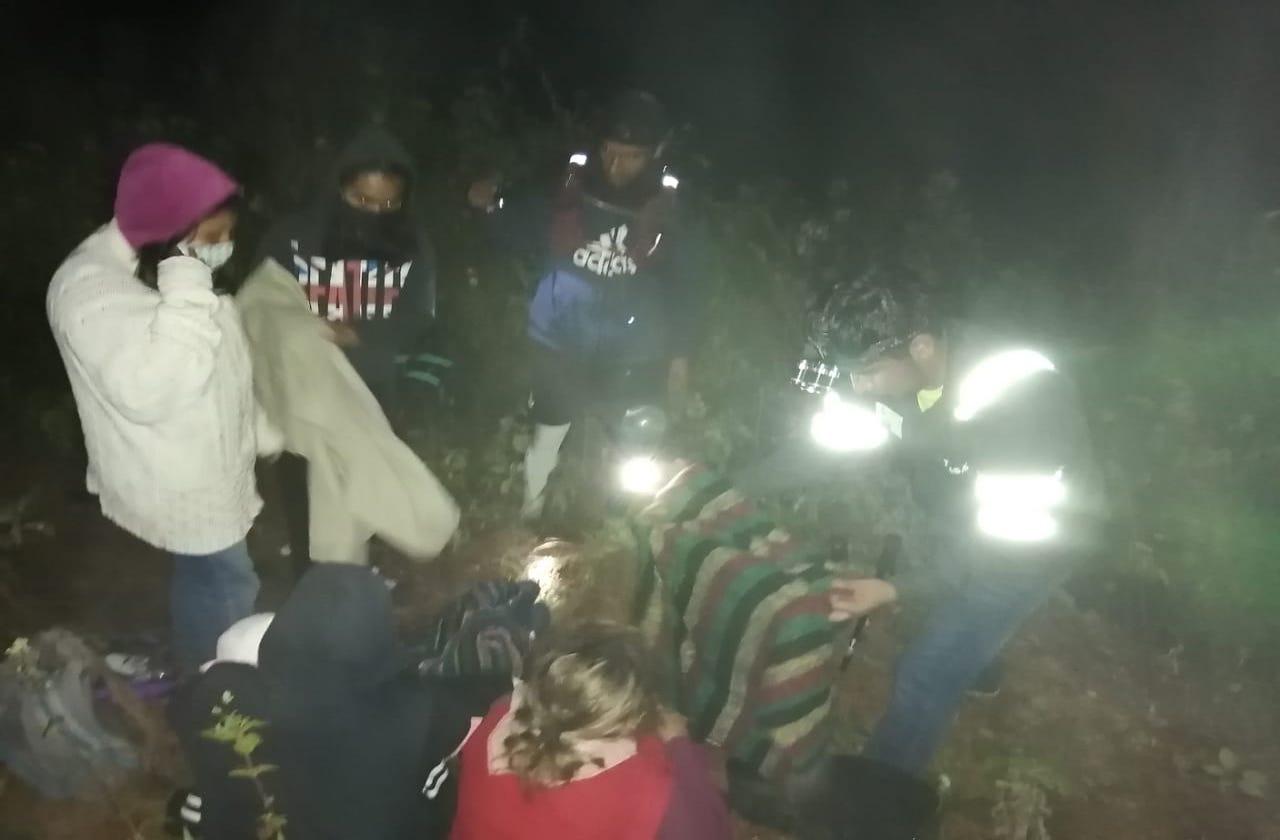 Iban de paseo y se extraviaron por horas en cerro de Huiloapan