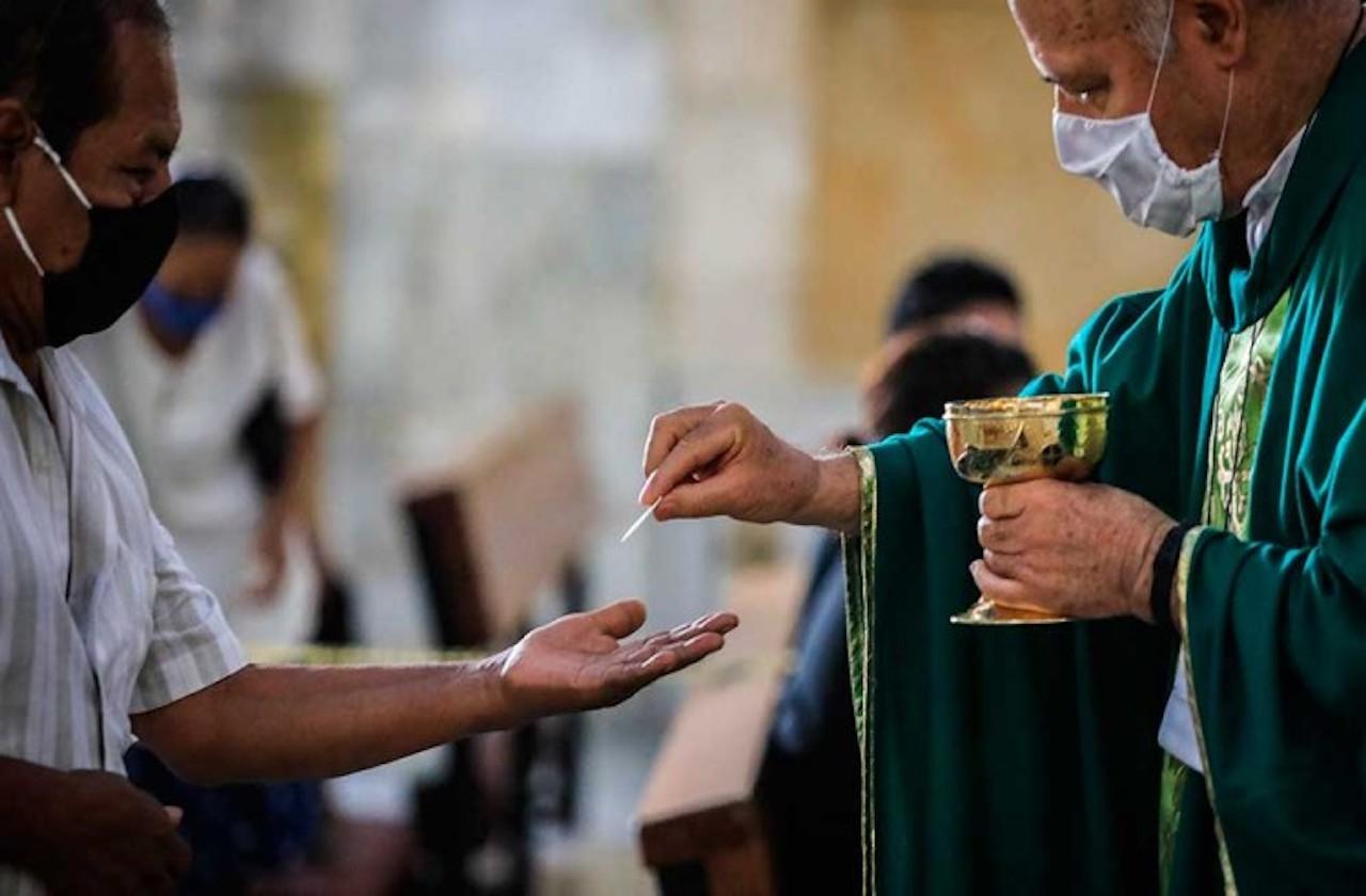 Con sana distancia, así celebrarán Semana Santa: Iglesia