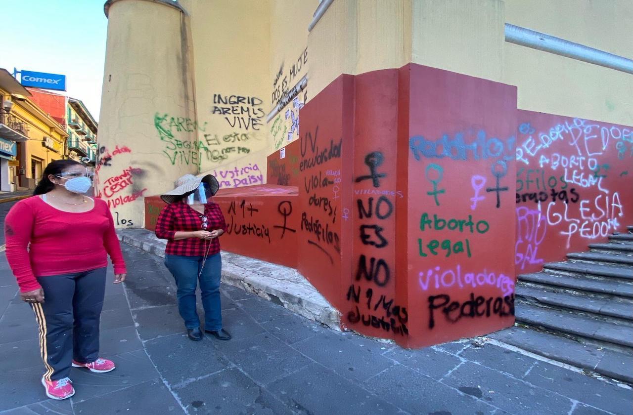 Iglesia se pronuncia contra pintas en Catedral de Xalapa