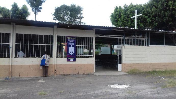Iglesia Católica se apropia de espacio público en fraccionamiento de Xalapa
