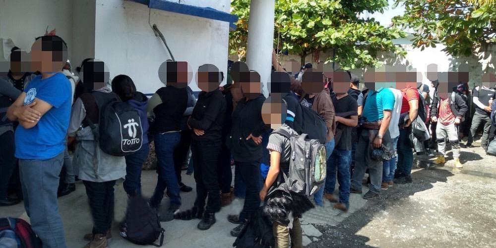 Rescatan a 117 migrantes en Las Choapas; hay 5 detenidos