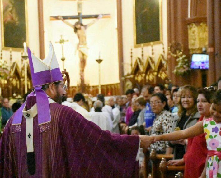 "Iglesia critica a políticos por ""amasar fortunas"" desde sus cargos"