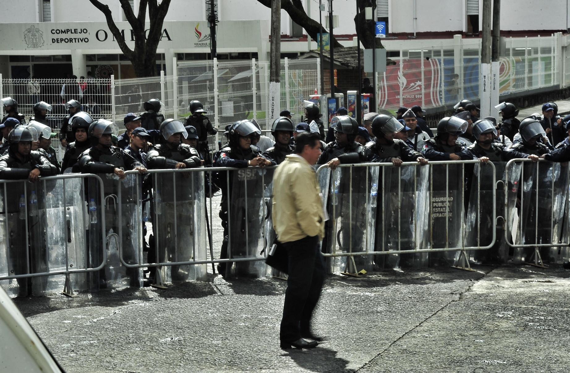 Veracruz: evaluación docente bajo fuerte operativo de seguridad
