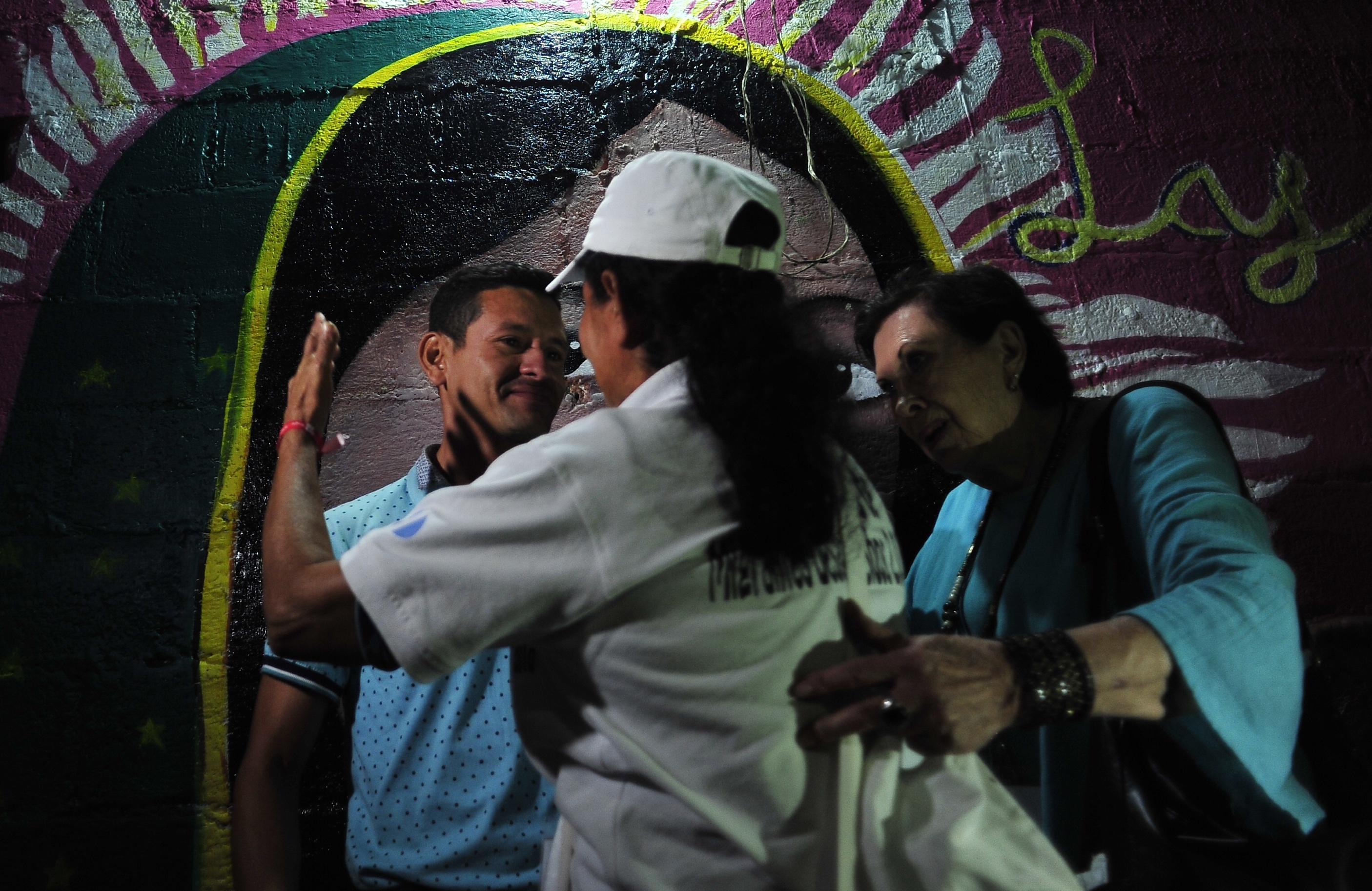 Reencuentros de madres centroamericanas con sus hijos migrantes