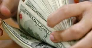 El peso resiste 'ataque' del dólar