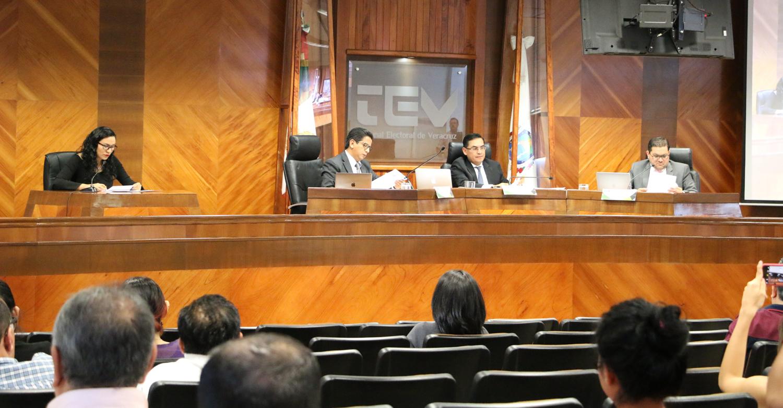 TEEV desecha juicios por expulsión de diputados panistas