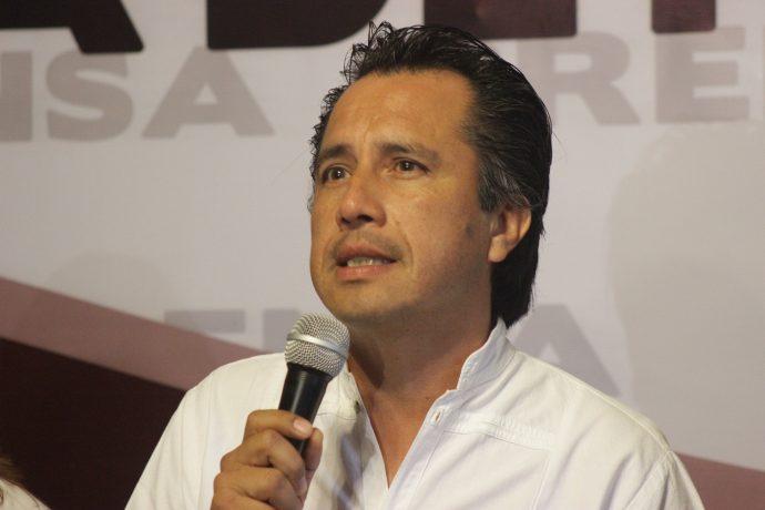 Comité de entrega- recepción pretende cubrir a Yunes: Cuitláhuac