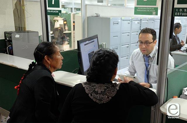IMSS embarga cuentas de empresarios por retraso en pagos