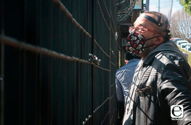 Diputado de MORENA ordena bloquear a reportero en Congreso local
