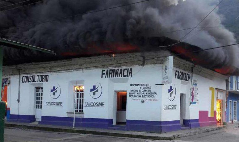 Incendio arrasa con cuatro locales en Zongolica