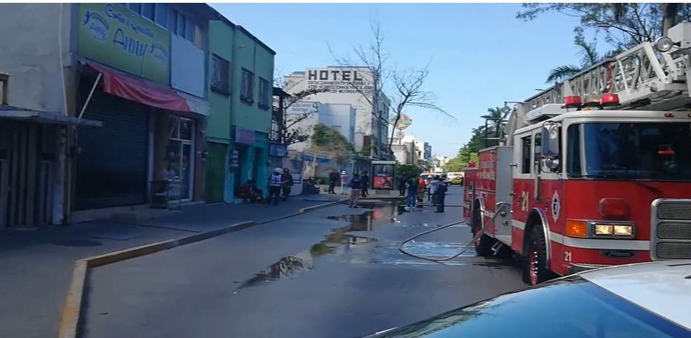 Incendio en negocio de antojitos de Veracruz