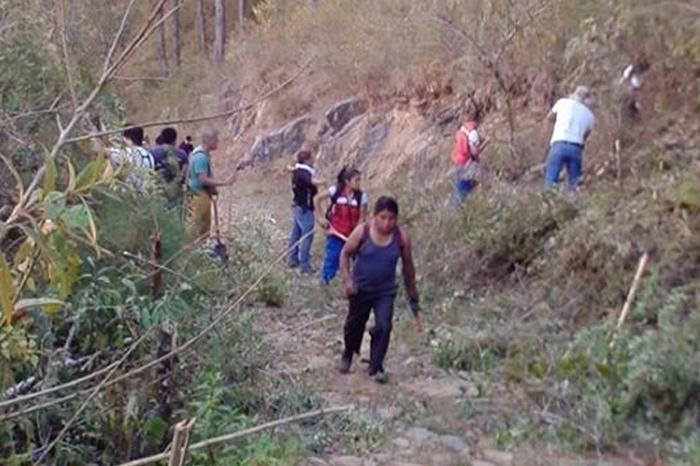 Incendio forestal en San Andrés Tenejapan incontrolable y podría extenderse
