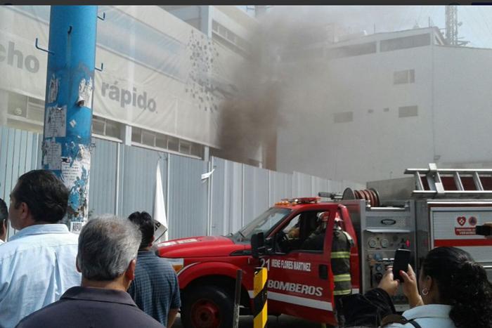 VIDEO: Se incendia sucursal de Telmex en Xalapa