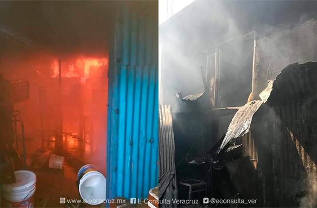 Incendio consume vivienda de doña Asunción en Coatza
