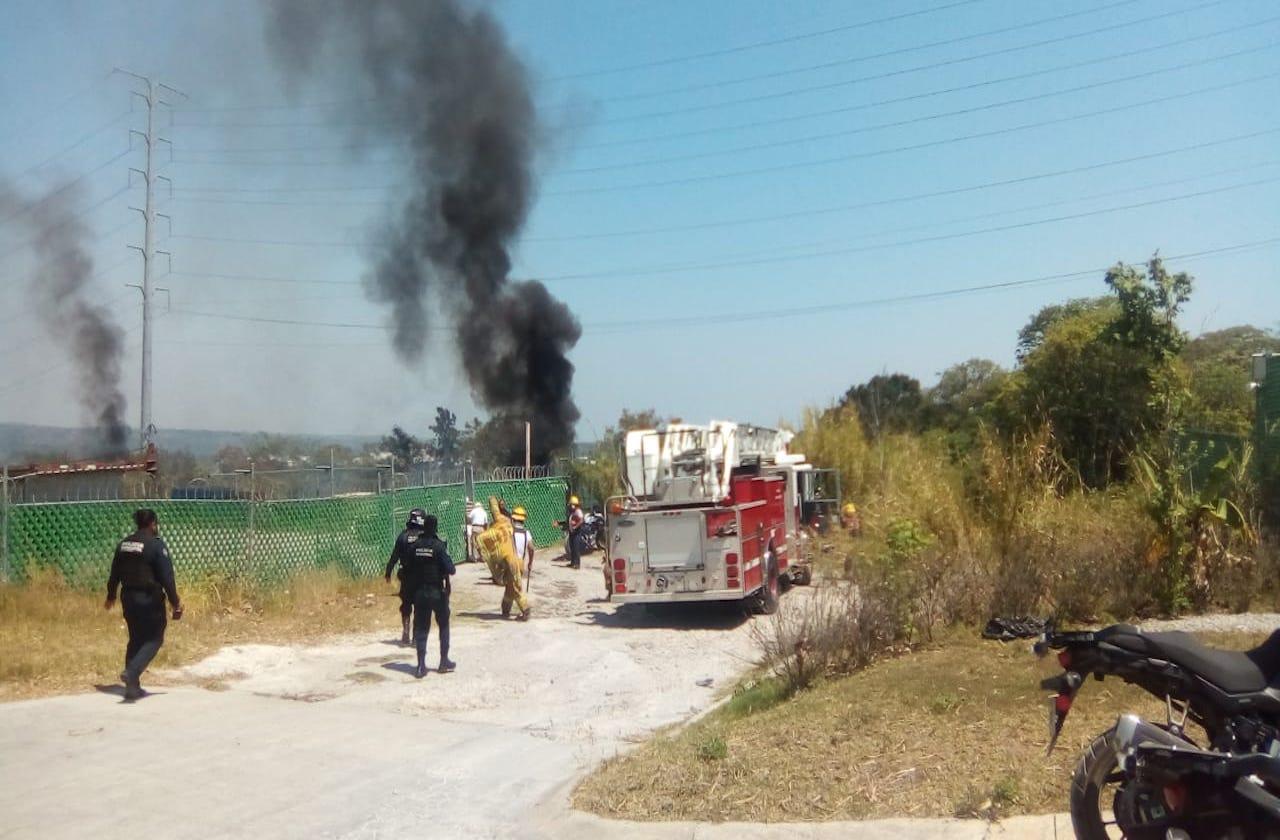 Incendio de pastizal cerca de la SEV, en Xalapa