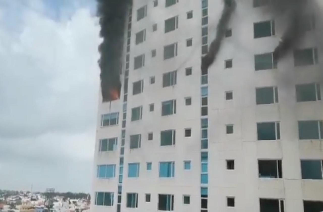 Incendio en Torre JV exhibió riesgos en edificios de Veracruz