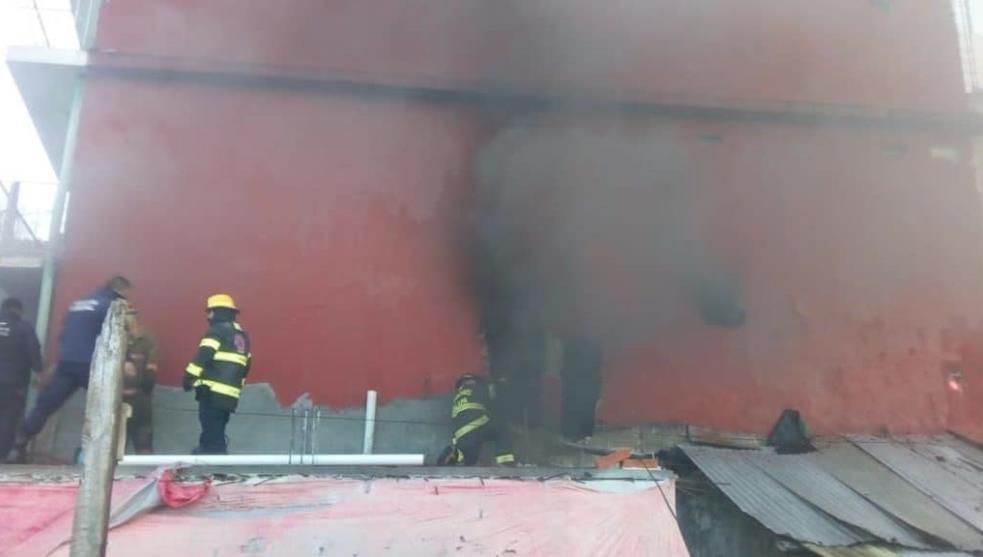 Joven muere en incendio; no pudo salir de su casa