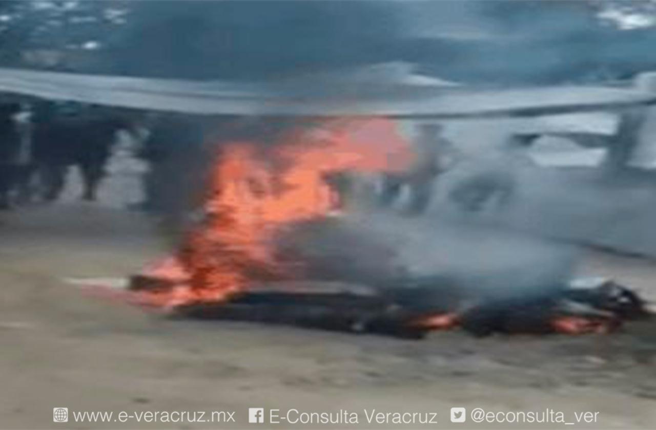 Incineran paquetes electorales en Castillo de Teayo