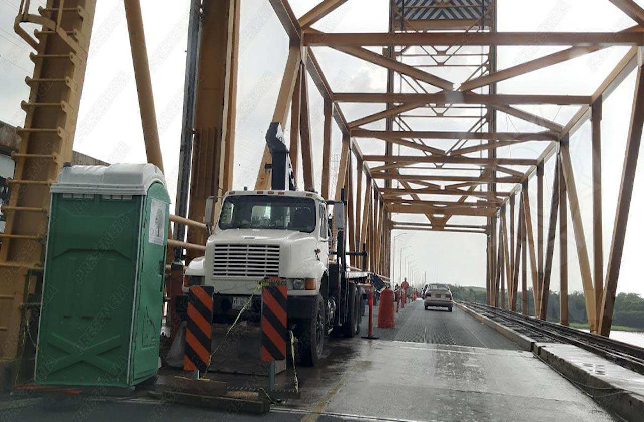 Incumplen plazo para reparar puente Coatza 1
