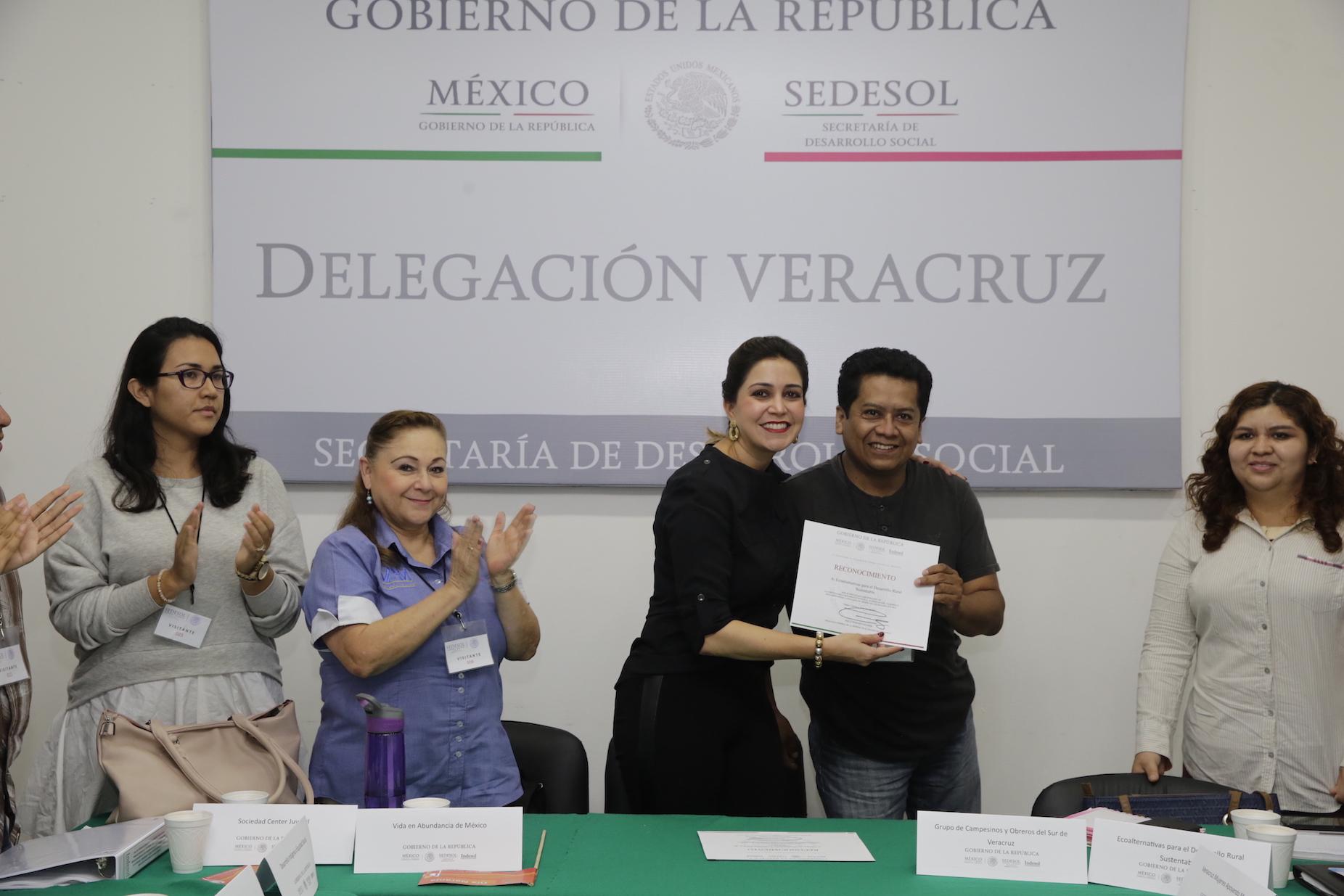 Sedesol trabaja de la mano de la sociedad civil: Anilú Ingram