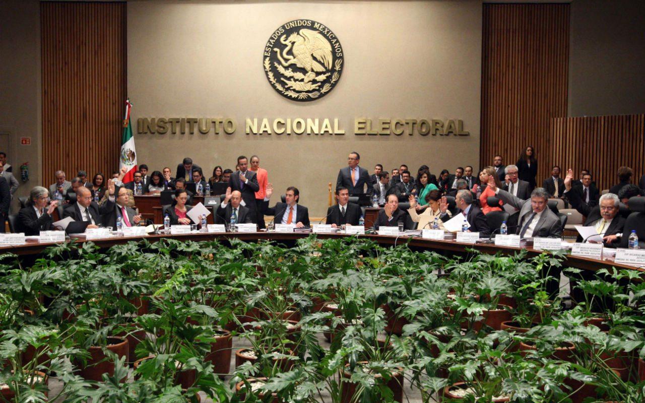 INE ordena parar la difusión de spot de Yunes Márquez en Puebla