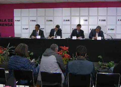 INE detectó falseo de credenciales a 24 independientes