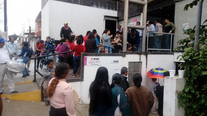 Renuevan credencial de elector de última hora en Coatzacoalcos