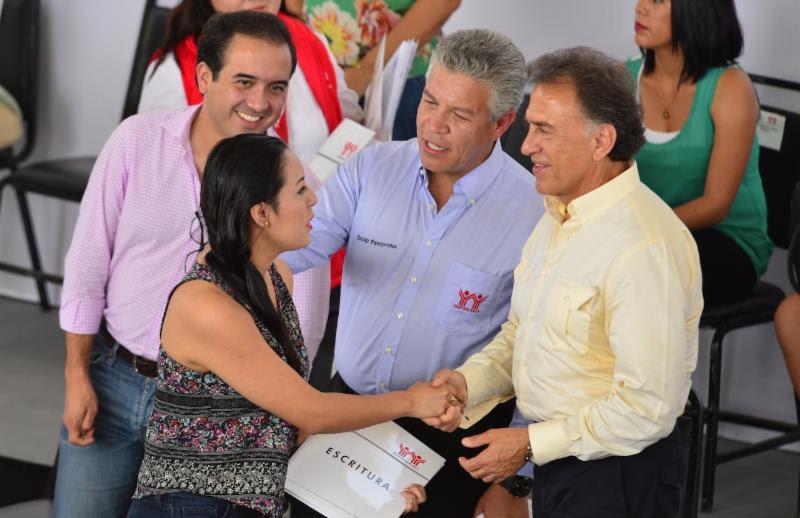 Este año se construirán casi 20 mil viviendas con créditos de INFONAVIT: Yunes Linares