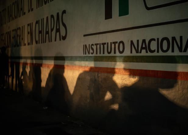 Tras trifulca, centroamericanos huyeron de Estación Migratoria
