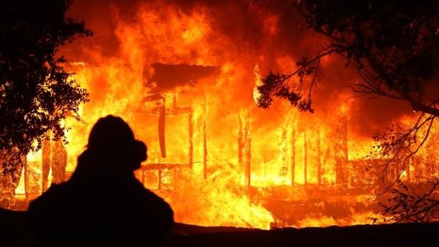 Incendian y vandalizan primaria de Tantoyuca