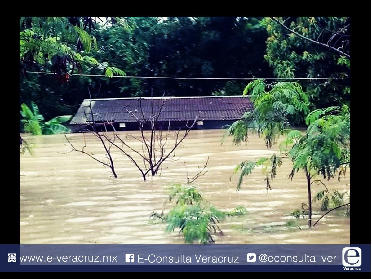 """Veracruz """"bajo el agua"""", ciudades, pueblos y comunidades inundados"""