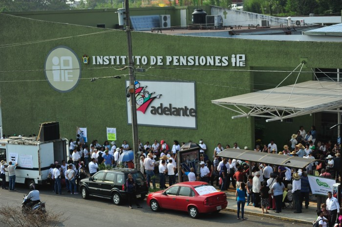 ORFIS reporta deuda al IPE por casi 9 mil mdp