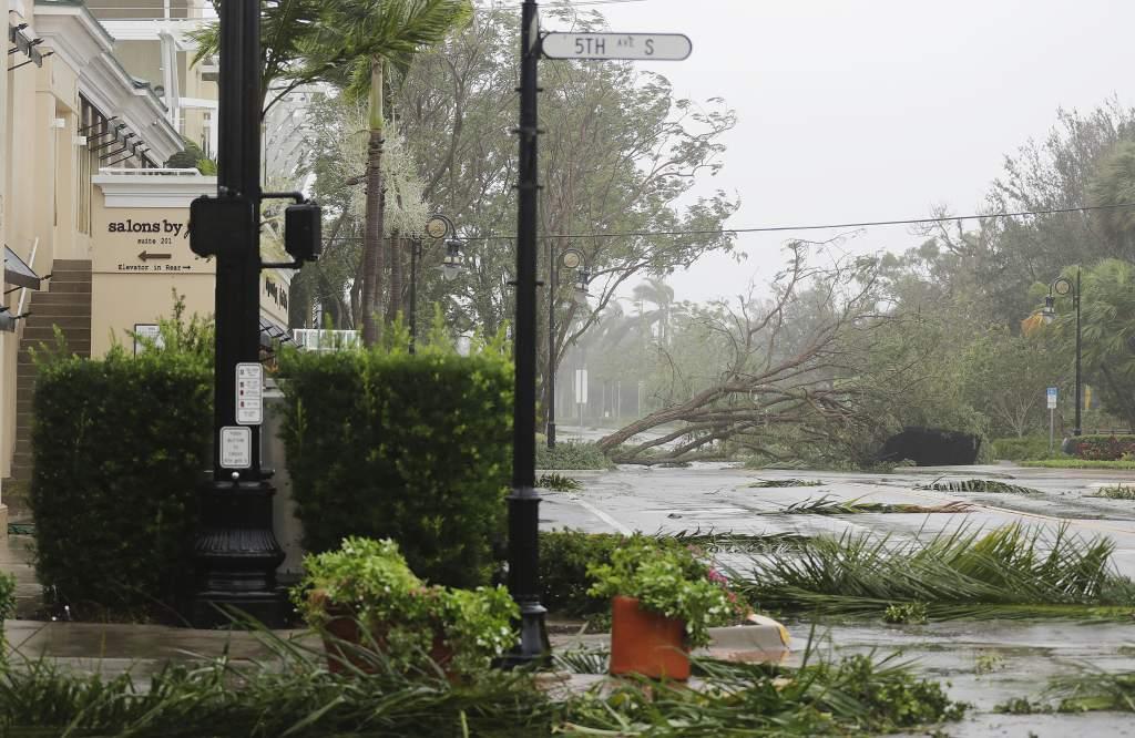 Irma deja daños por 100 mmdd en EUA y 12 muertos