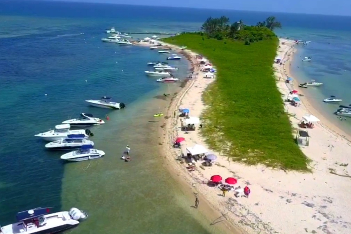 Tras fiesta VIP, Profepa abre Isla de Enmedio pero no la Salmedina