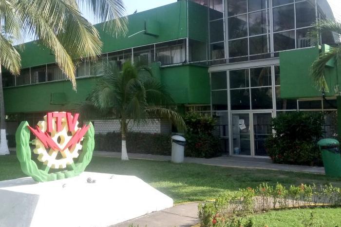 Paro de brazos caídos en Institutos Tecnológicos de Veracruz