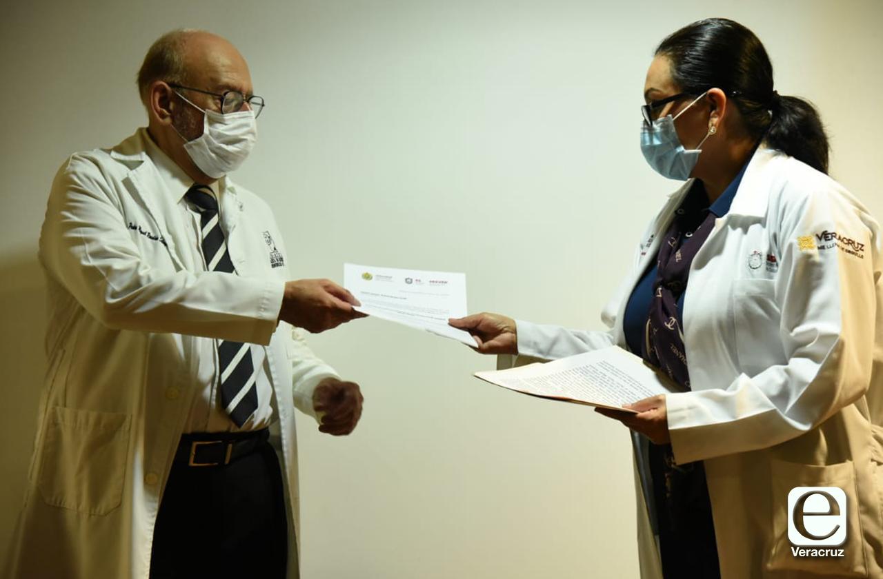 Nombran a Pedro Rosaldo como nuevo director del Hospital de Coatza