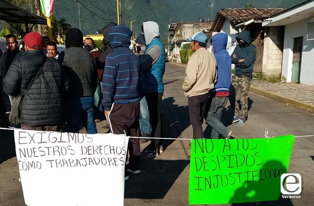 Transportistas de Ixhuatlancillo se manifiestan por irregularidades