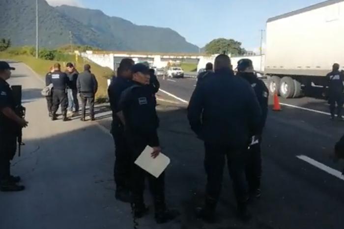 Cuelgan cadáver en puente vehicular en la zona centro de Veracruz