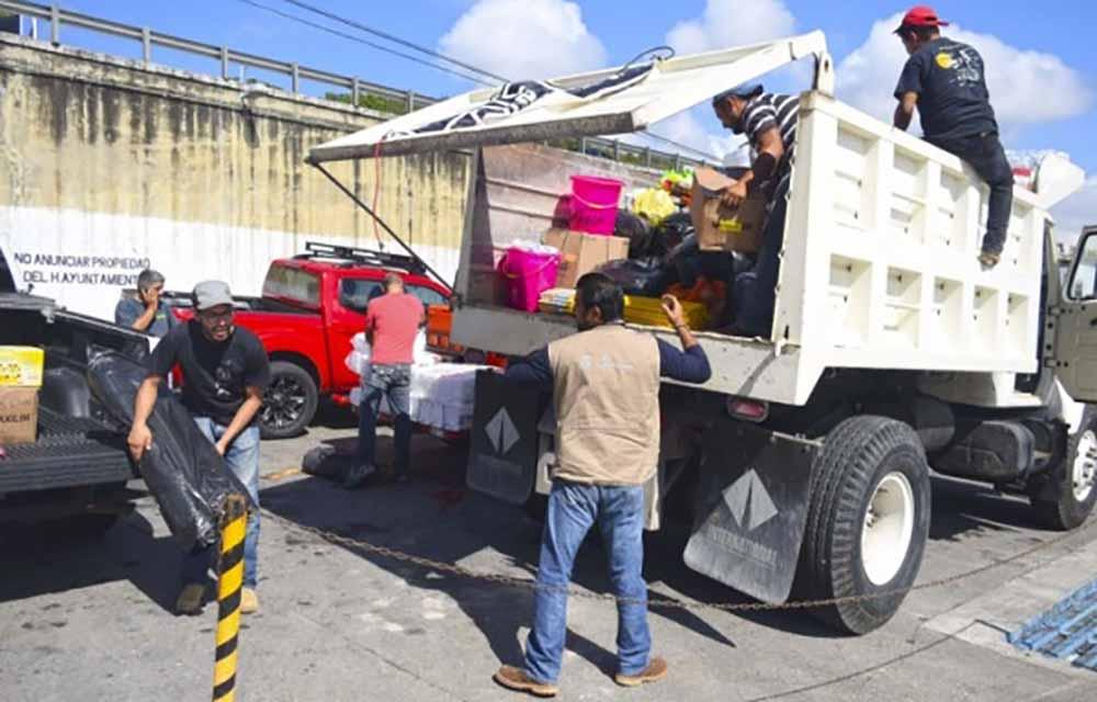 Jeeperos de Xalapa entregan 6 toneladas de víveres en Atlixco
