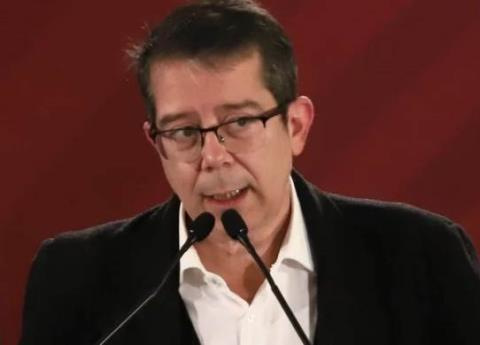 Jenaro Villamil admite no tener título profesional