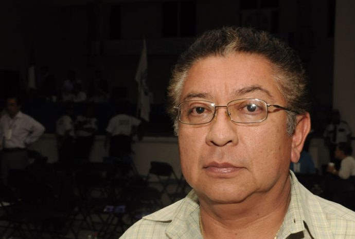 Hablar lenguas indígenas es arcaico: Candidato a diputado